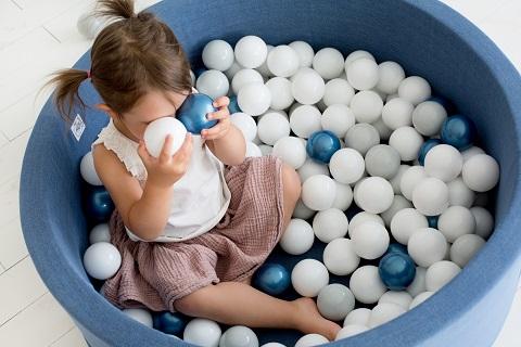 Suchy basen JEANS z piłkami (150 szt) 90x30cm MiniBe